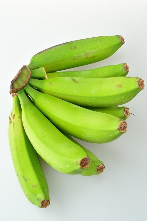 三尺バナナの青い状態 (2)